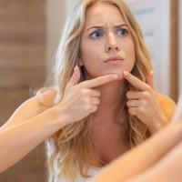 Акнето, когато сте в ПМС (предменстроален синдром)